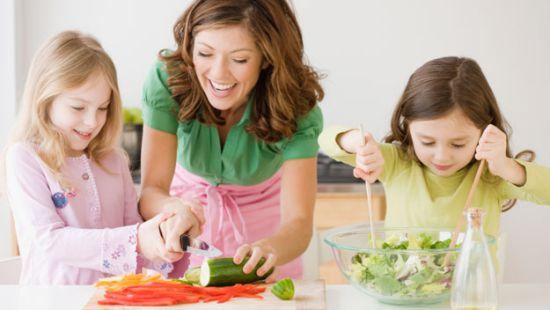 criancas comendo